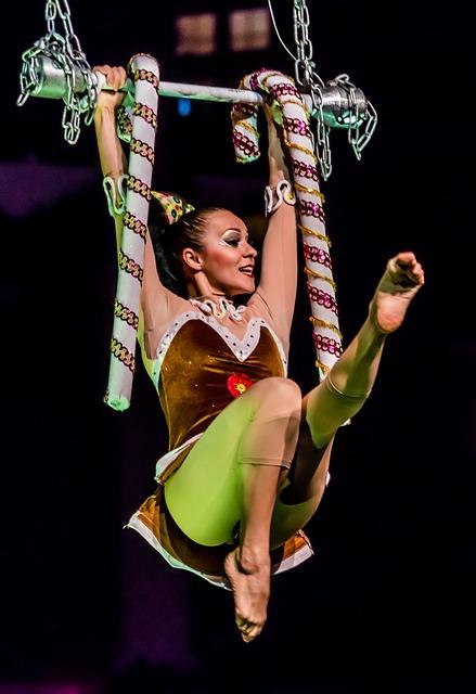 acrobat-1938713_640
